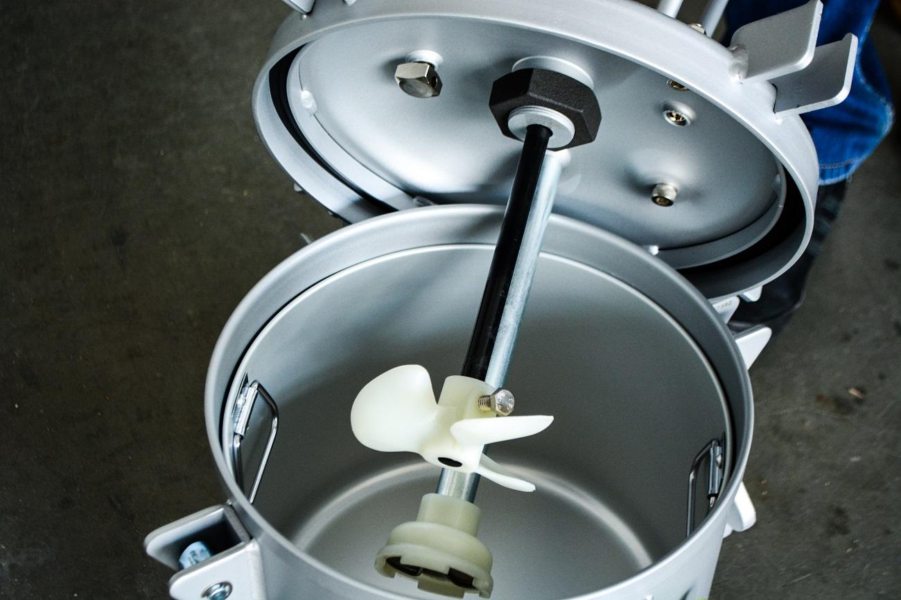 Бак красконагнетательный с автоматической мешалкой БК-10ПВ, 10 литров